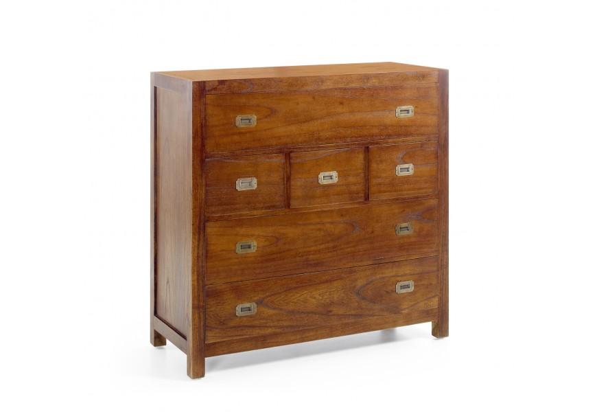 Klasická štýlová komoda Star z masívneho dreva so zásuvkami a vyklápacím priestorom s kovovými rukoväťami