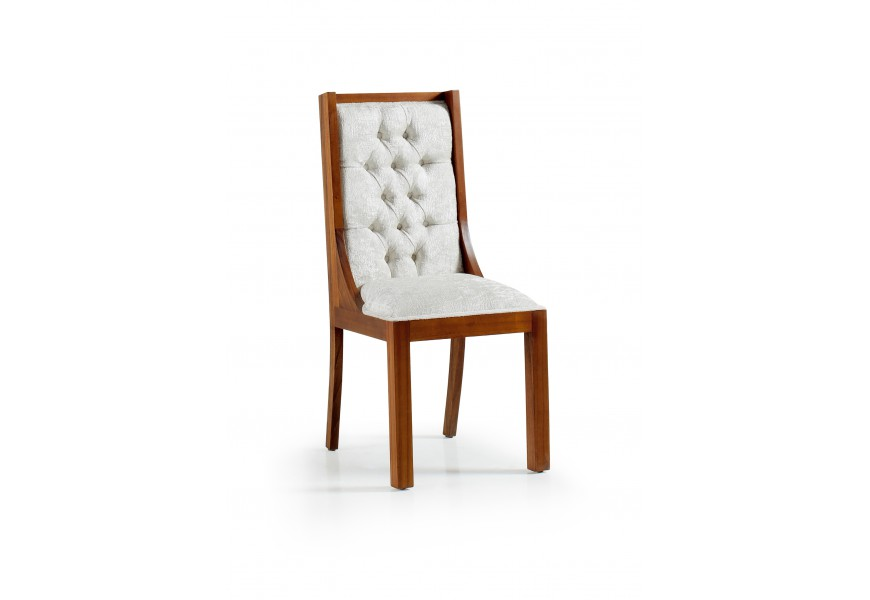 Exkluzívna jedálenská stolička Star z masívneho dreva mindi s chesterfield prešívaním