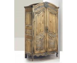 Rustikálna luxusná skriňa Nuevas formas s vyrezávaním 217cm