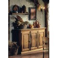 Luxusný drevený príborník Nuevas formas v rustikálnom štýle s tromi dvierkami