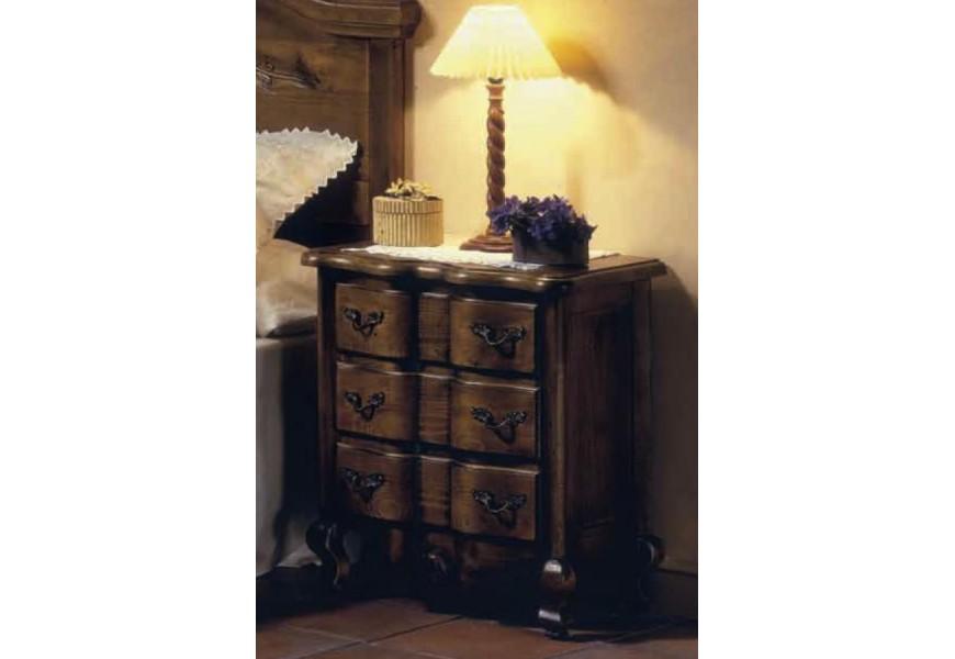 Luxusný rustikálny nočný stolík Nuevas formas so zásuvkami a vyrezávanými nožičkami