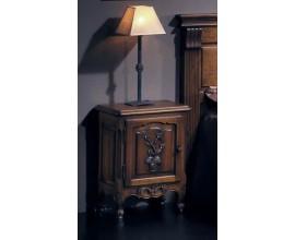 Rustikálny nočný stolík Nuevas formas s vyrezávanými dvierkami 62cm