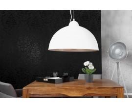 Elegantné moderné závesné svietidlo Štúdio bielo / strieborné