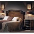 Klasické drevené zadné čelo postele Nuevas formas v rustikálnom štýle