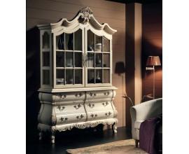 Rustikálna zámocká vitrína Nuevas formas s dvierkami a zásuvkami s bohatým zdobením 232cm