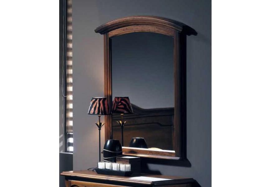 Elegantné závesné  zrkadlo Arles s masívnym bukovým rámom v koloniálnom štýle