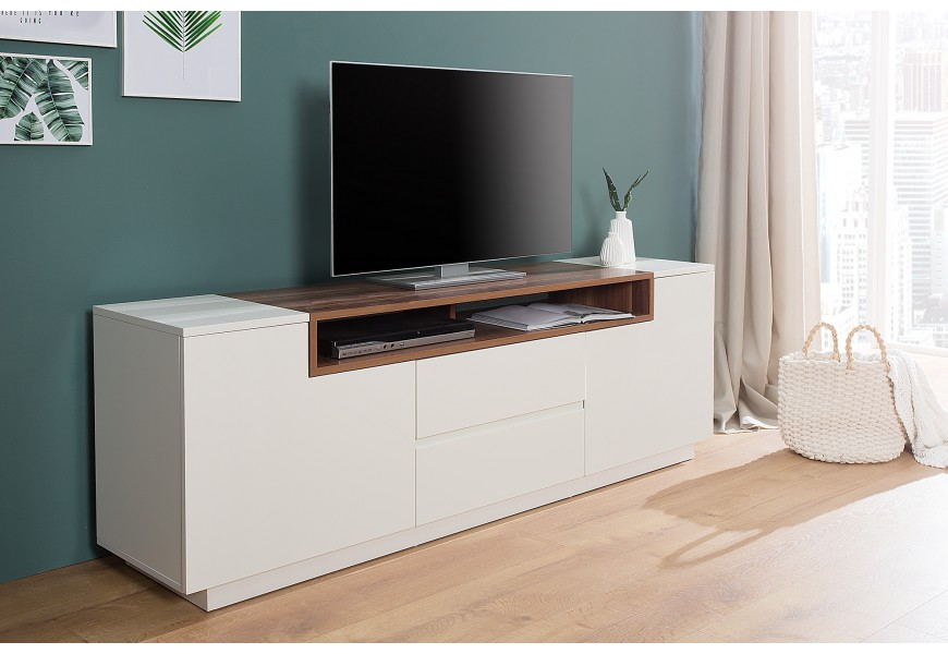 Jednoducho a moderne spracovaný TV stolík Kingdom