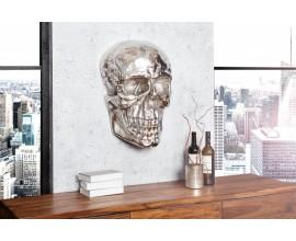 Dizajnová extravagantná nástenná lebka 40cm striebrná