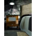 Luxusný nočný stolík VOLGA s vyklápacími dvierkami
