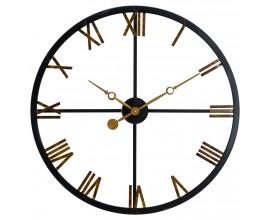 Originálne kovové hodiny s prvkami industriálneho štýlu