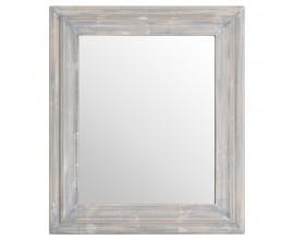 Vkusné vyrezávané zrkadlo vo vidieckom štýle