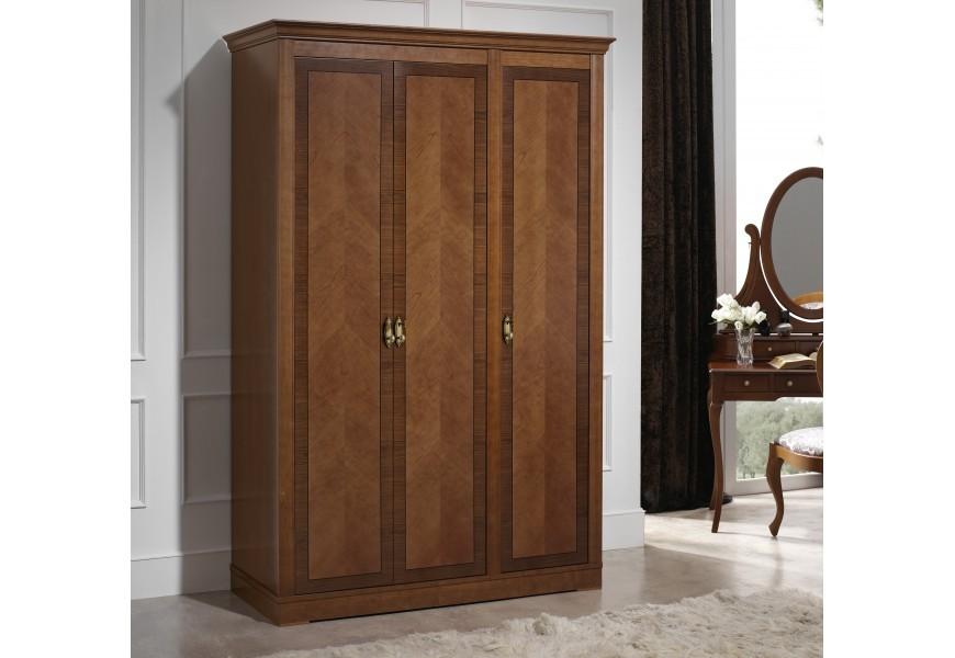 Luxusná rustikálna starožitná šatníková skriňa