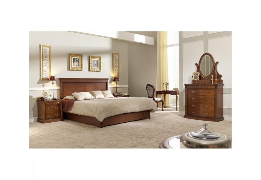 Rustikálna manželská posteľ v hnedom prevedení pre klasicky zariadené spálne