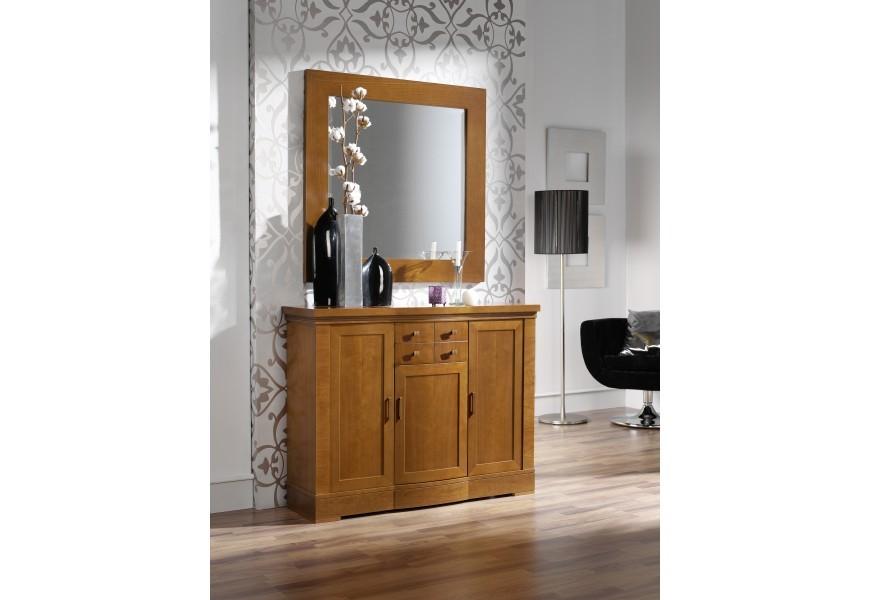 Jedinečný rustikálny príborník Carmen II je vyrobený z kvalitného bukového dreva