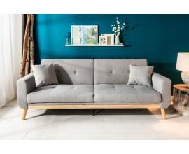 Jedinečná sedačka Scandinavia sivej farby s masívnym drevom