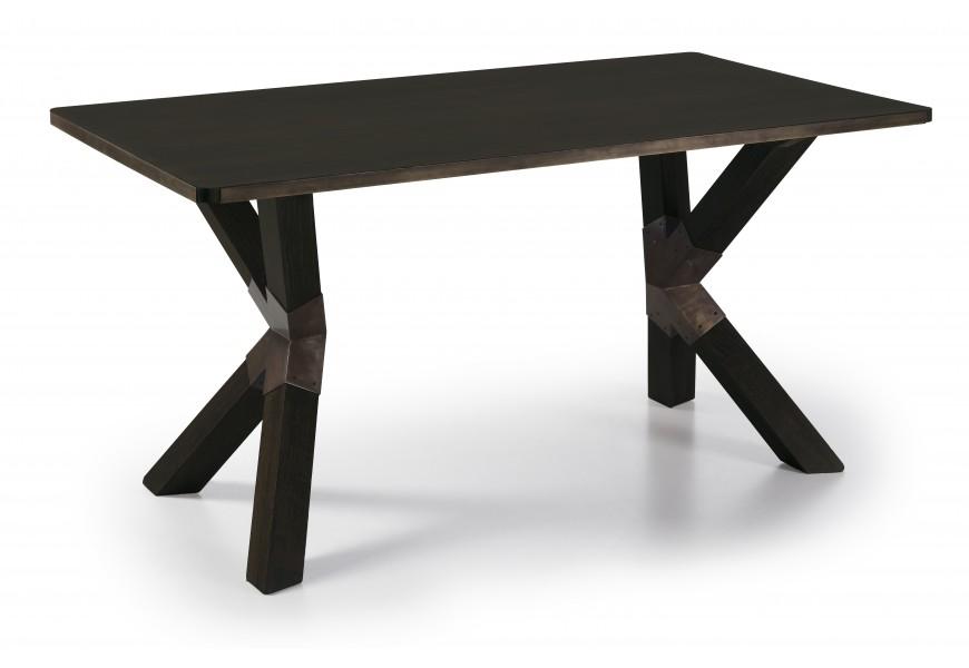 Exkluzívny jedálenský stôl M-Industrial z masívneho dreva Mindi v čiernej farbe a s kovovými industriálnymi prvkami