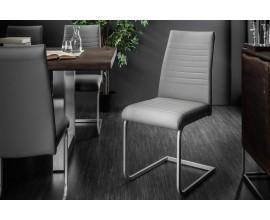 Štýlová dizajnová stolička Gristol v modernom prevedení so sivým poťahom z imitácie kože a s chrómovanými kovovými nohami