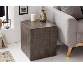 Dizajnový príručný stolík z masívu Cascara sivý