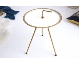 Nadčasový príručný stolík Gedling White Gold
