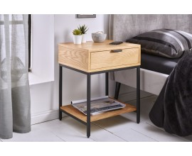 Dizajnový industriálny nočný stolík Tacoma z dubového dreva hnedej farbe, s čiernou kovovou konštrukciou a so zásuvkou