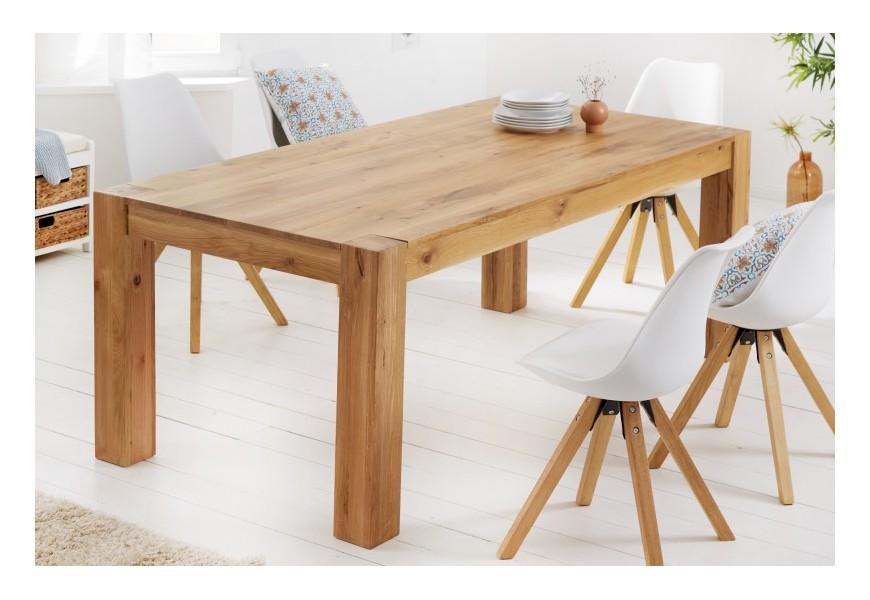 Škandinávsky obdĺžnikový jedálenský stôl Linton z masívneho dubu s hrubými hranatými nohami