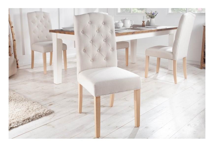 Vidiecka štýlová jedálenská stolička Silloth s béžovým čalúnením a chesterfield prešívaním 104cm