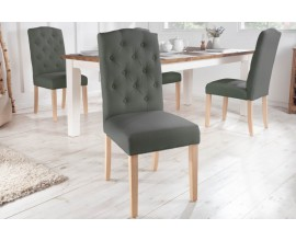Vidiecka štýlová jedálenská stolička Silloth s tmavosivým čalúnením a chesterfield prešívaním 104cm