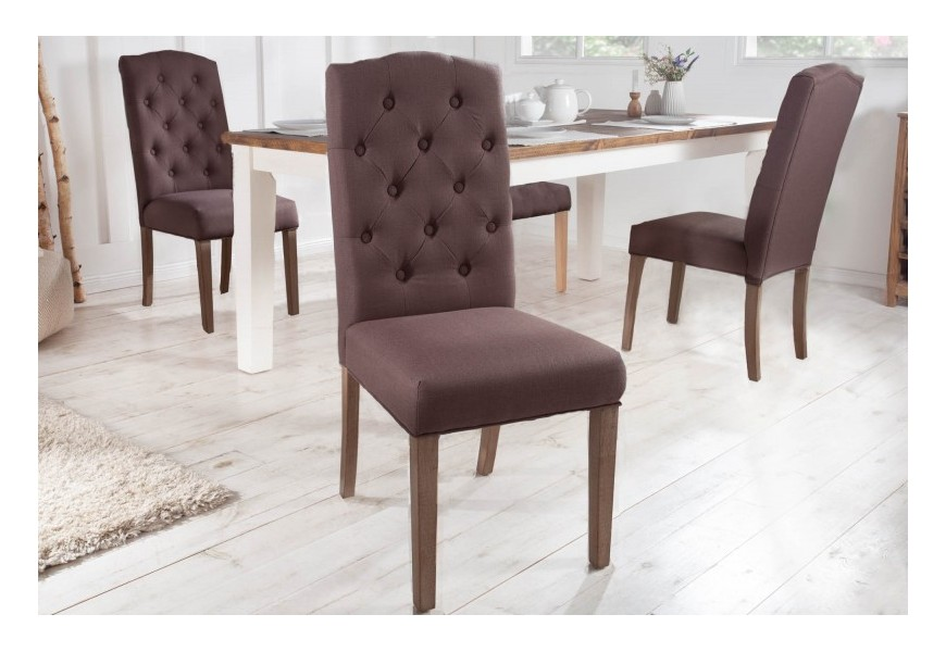 Vidiecka štýlová jedálenská stolička Silloth s hnedým čalúnením a chesterfield prešívaním 104cm