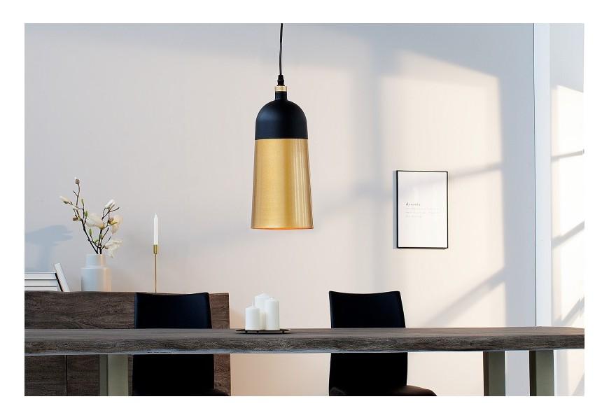 Dizajnová závesná lampa Modern Chic oválneho tvaru  z kovu v zlato-čiernom prevedení