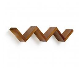 Dizajnová nástenná polička Star z masívneho dreva mindi hnedej farby