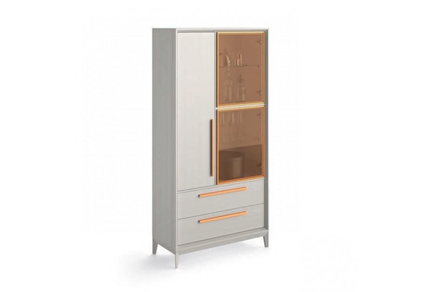 Luxusná masívna komoda Estoril so zásuvkami a sklenenými dvierkami na nožičkách