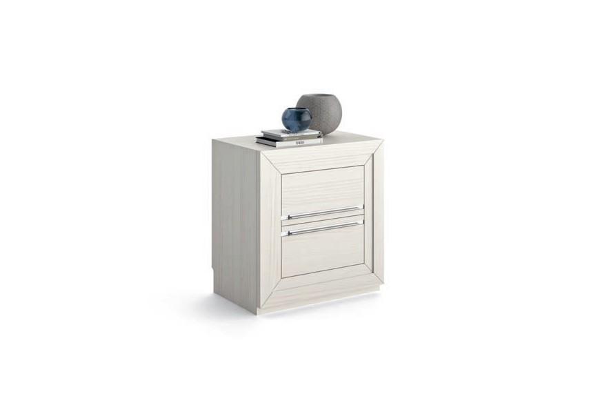 Luxusný nočný stolík Véneto z masívu s dvomi zásuvkami s kovovými rukoväťami