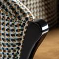 Art-deco luxusná barová stolička Brilon v horčicovom poťahu so vzorom na vysokých drevených nohách 107cm