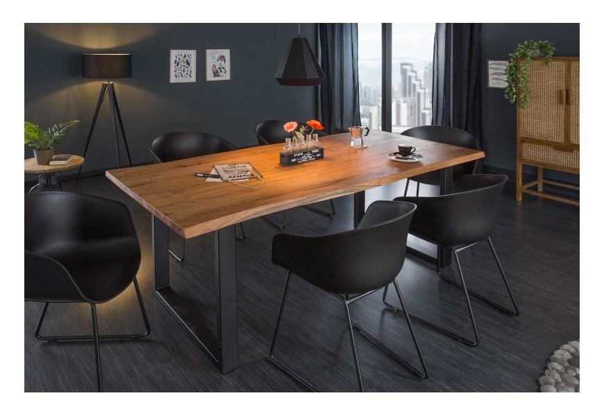 Štýlový industriálny jedálenský stôl Mammut z masívneho agátového dreva s čiernymi kovovými nohami
