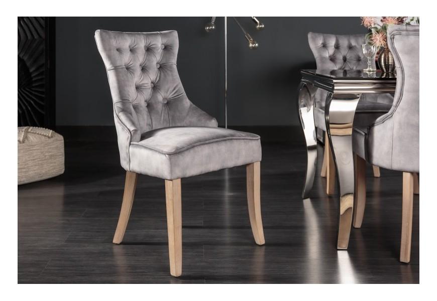 Śtýlová zámocká stolička Torino so sivým zamatovým poťahom s chesterfield prešívaním