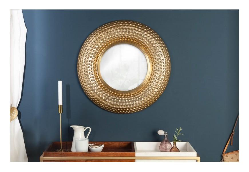 Luxusné zlaté závesné zrkadlo Solei s kovovým rámom v tvare kruhu s kladivkovým efektom