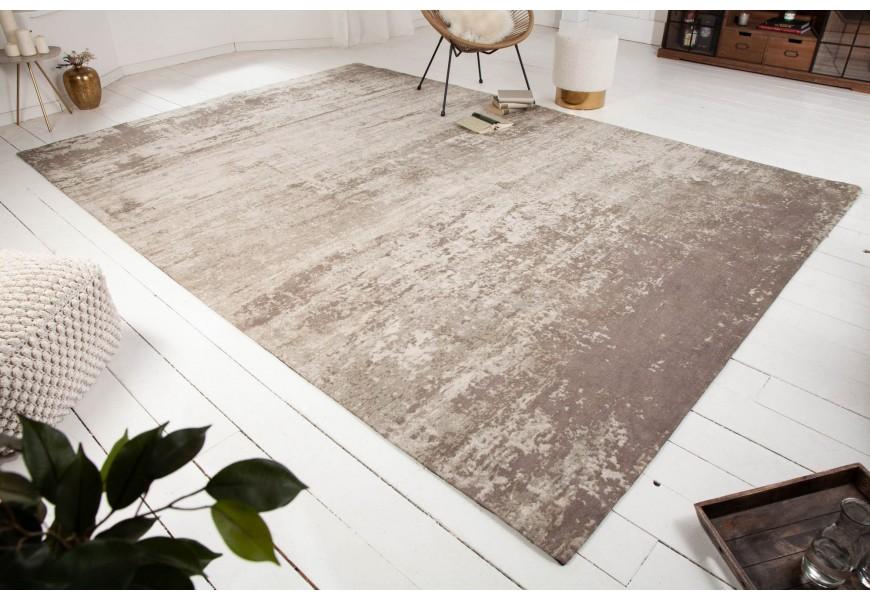 Luxusný a nadčasový bavlnený koberec Adassil béžovej farby vo vintage štýle obdlžnikového tvaru