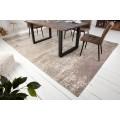 Jedienčný orientálny obdlžnikový koberec Adassil s industriálnym nádychom a abstraktným vzorom béžovo hnedej farby