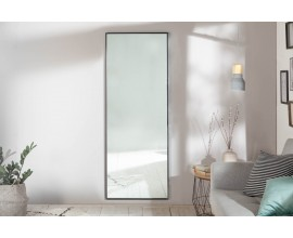 Moderné dizajnové obdĺždnikové nástenné zrkadlo Cambell v čiernom ráme 160cm