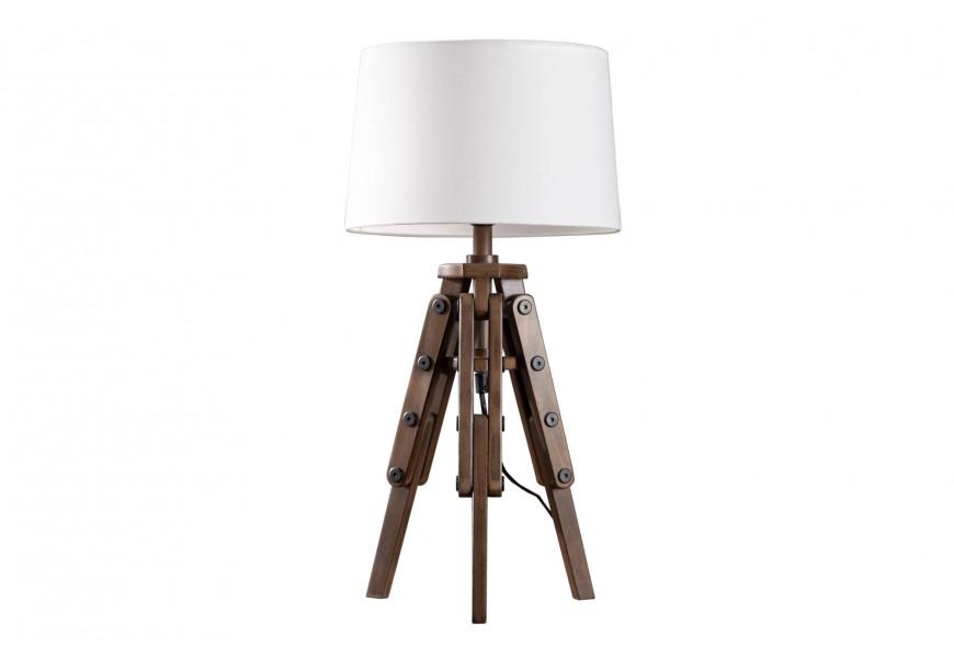 Štýlová stolná drevená lampa Sopporte s bielym tienidlom a industriálnym trojnohým stojanom