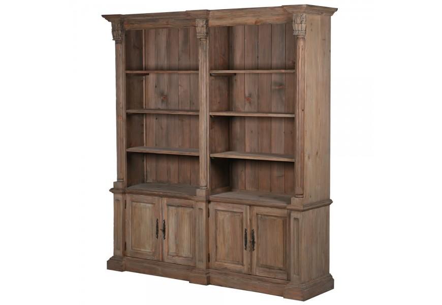 Štýlová vidiecka knižnica Kolonial z masívneho dreva v hnedom odtieni s poličkami a dvierkami