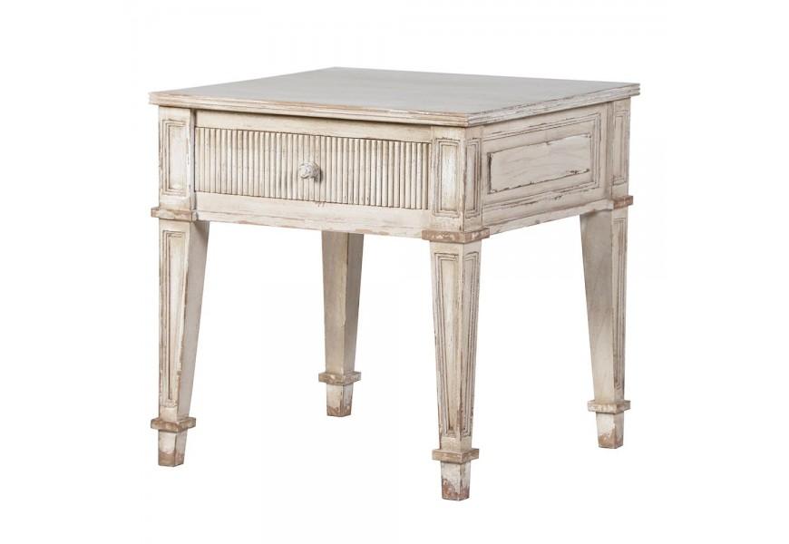 Štýlový krémový vintage nočný stolík Celene Rode so zásuvkou s vyrezaváním na nožičkách
