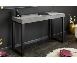 Nadčasový industruiálny pracovný stolík Simparda s čiernymi nohami v tvare U a sivou povrchovou doskou