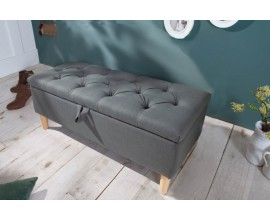 Škandinávska sivá taburetka Rikke s úložným priestorom a nožičkami 100cm