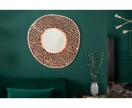 Dizajnové art-deco závesné zrkadlo Girvan s kruhovým kovovým rámom medenej farby