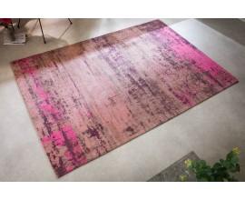 Nadčasový dizajnový obdĺžnikový koberec Vernon v retro štýle s ružovým a béžovým vlasom