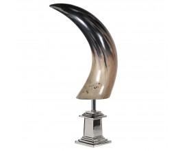 Dizajnová dekorácia Buffalo horn v hnedej a čiernej farbe s prechodom na kovovom podstavci 58cm