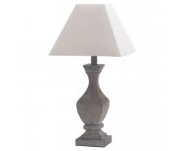 Masívna rustikálna stolná lampa s vyrezávaním s hranatým tienidlom
