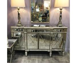 Luxusný zrkadlový nábytok