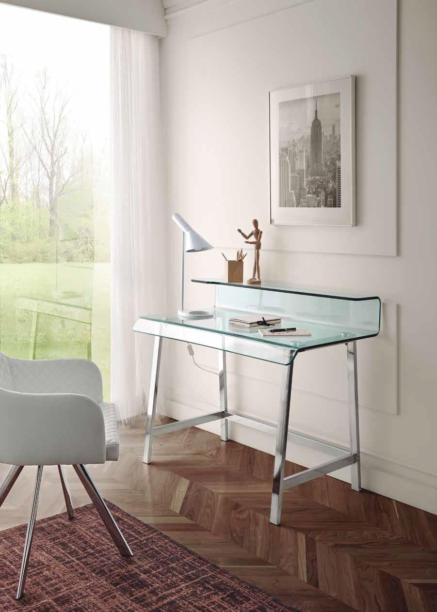 Luxusný sklenený písací stolík s chrómovými nožičkami
